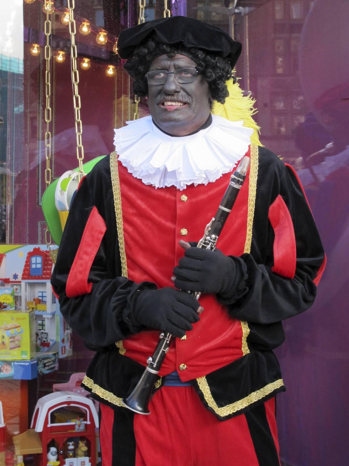 Zwarte Piet nei festeggiamenti per San Nicola