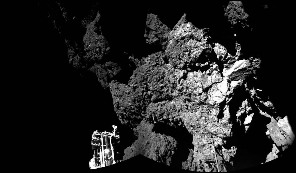 """Il lander Rosetta è in bilico: un """"braccio"""" per raddrizzarlo"""