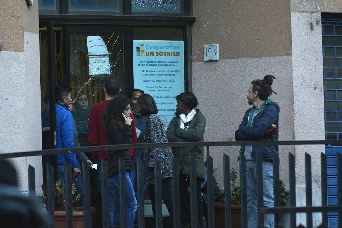 Tor Sapienza, ancora proteste: via i minori dal centro immigrati