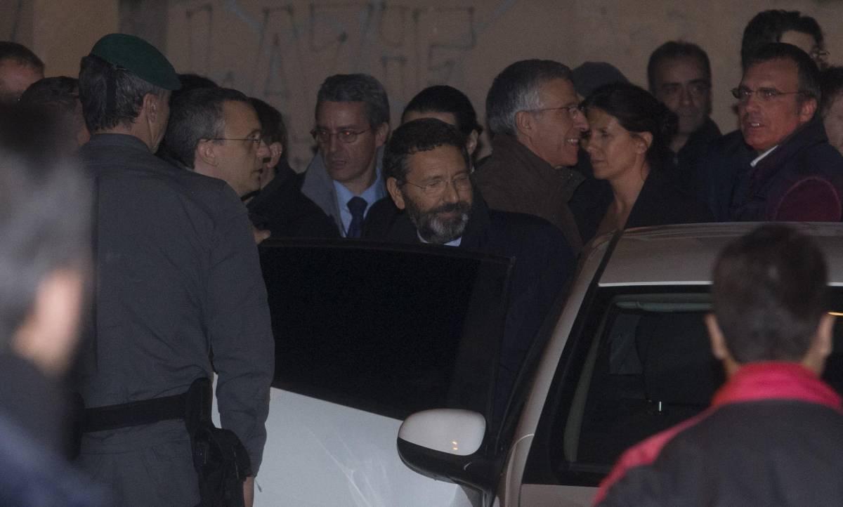 """La rabbia di Tor Sapienza, contestato Marino: """"Buffone"""""""