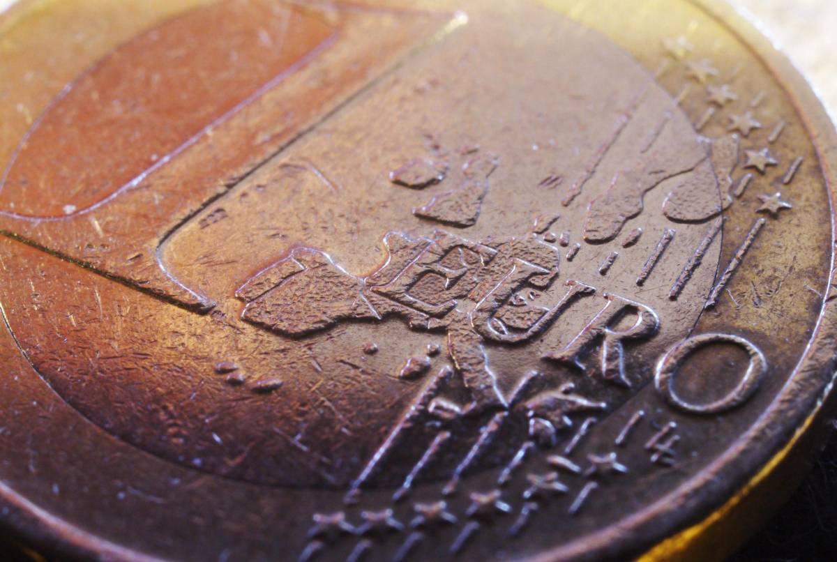 Euro di nuovo sotto attacco: quanti mesi gli restano?