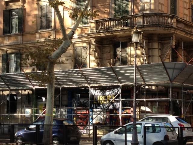 Bivacchi nel cuore di Roma: qui gli sgomberi non esistono