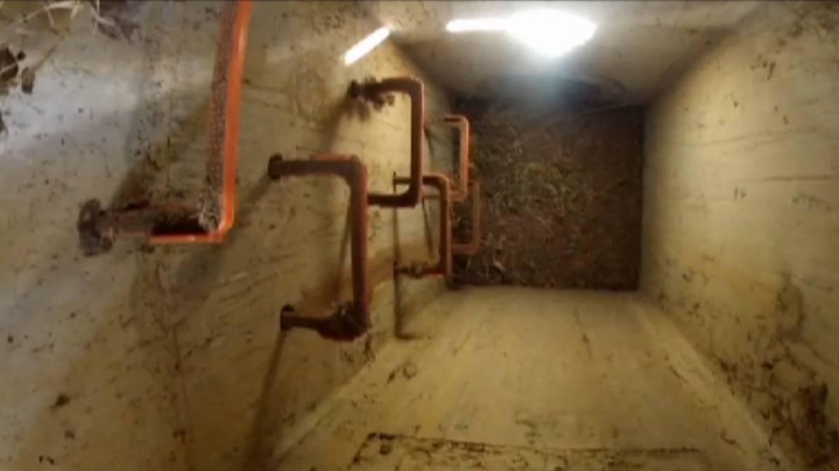 La fossa di scarico dove è stato ritrovato il neonato abbandonato