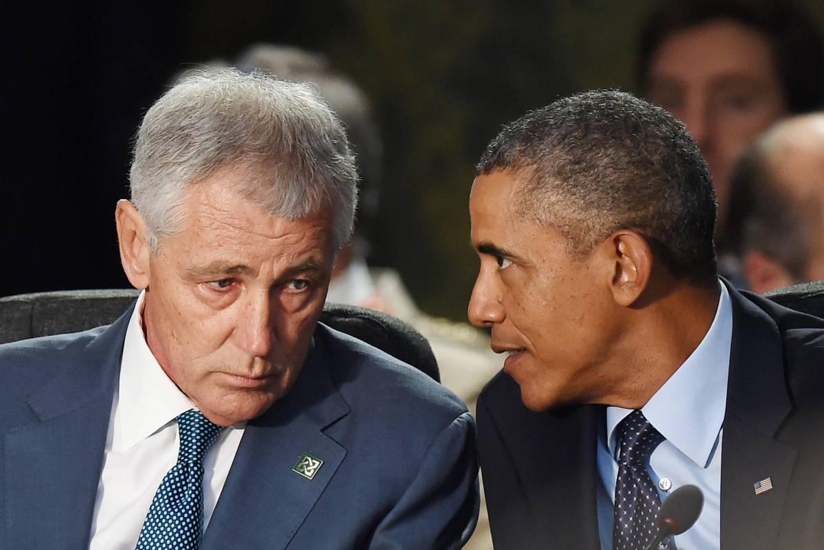Usa, Obama manda a casa il capo del Pentagono