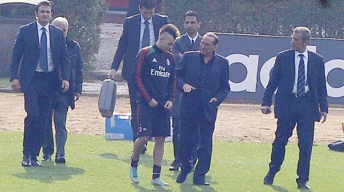 El Shaarawy e Berlusconi a Milanello