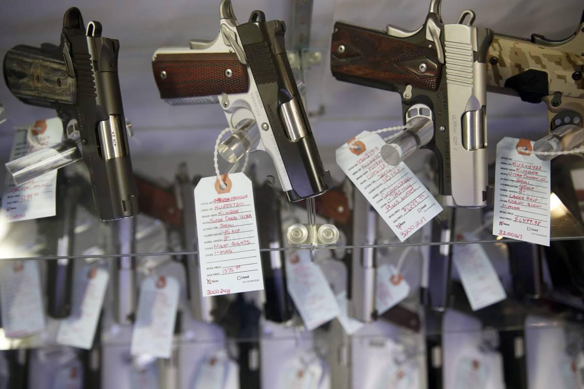 Black Friday, corsa all'acquisto negli Usa: spopolano anche le pistole