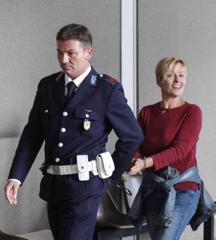 Daniela Poggiali in tribunale a Ravenna