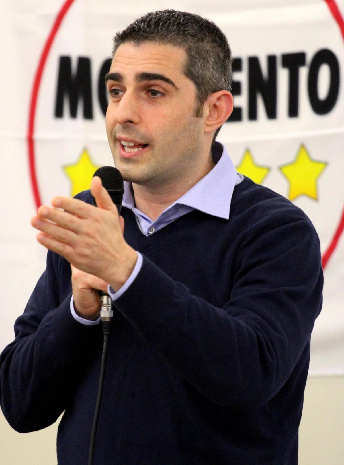 """M5S, ora Pizzarotti accusa Di Maio: """"Incapace e inesperto"""""""