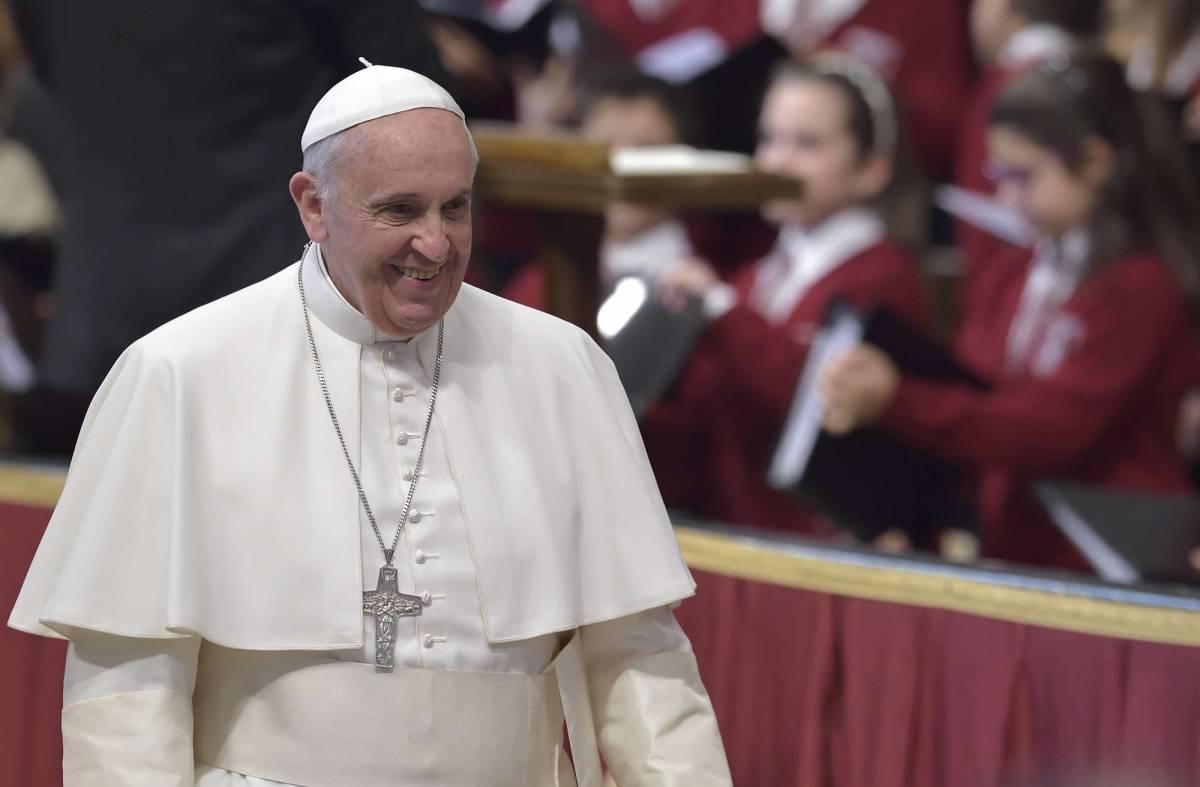 """Papa Francesco: """"Occuparsi dei poveri non è comunismo, è Vangelo"""""""