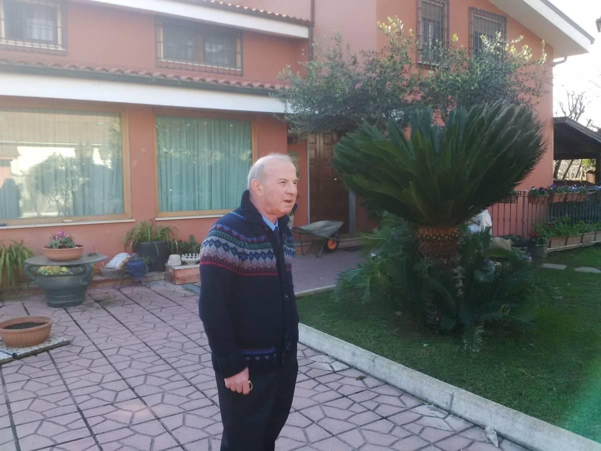 Roberto Speciale nella sua casa a Roma
