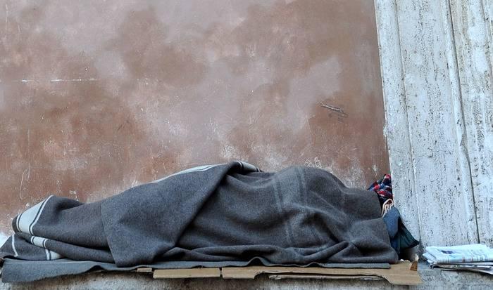 A Roma raddoppiano i senzatetto italiani