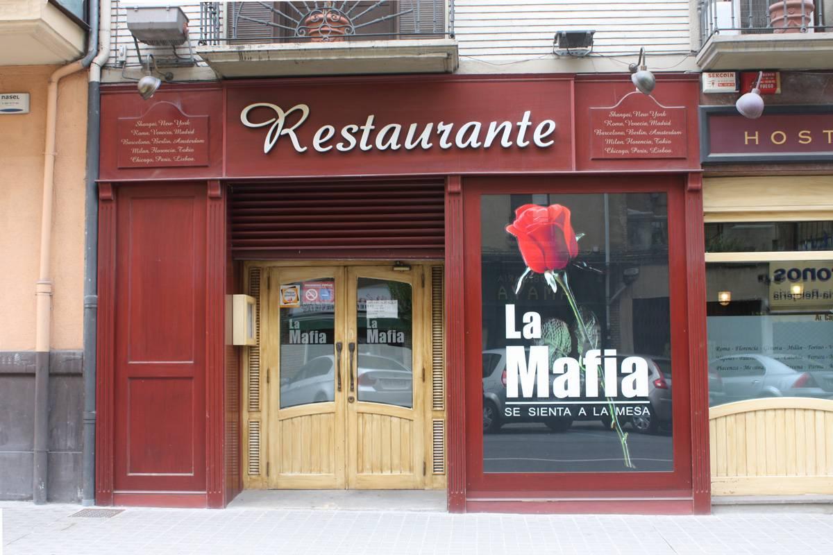 """Caso diplomatico con Madrid per i """"ristoranti della mafia"""""""