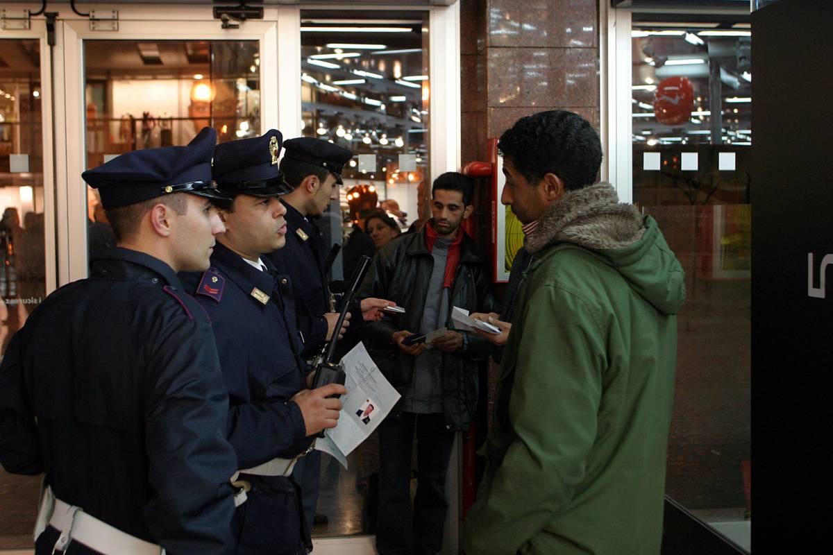 Il vero allarme i criminali stranieri: ogni giorno arrestati trenta immigrati