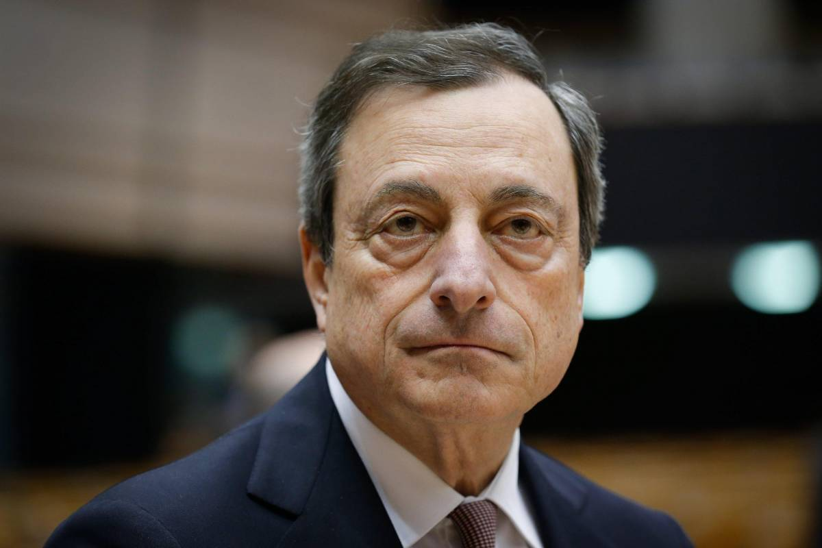 "Bordata di Draghi a Renzi: ""L'Italia ha alzato le tasse"""