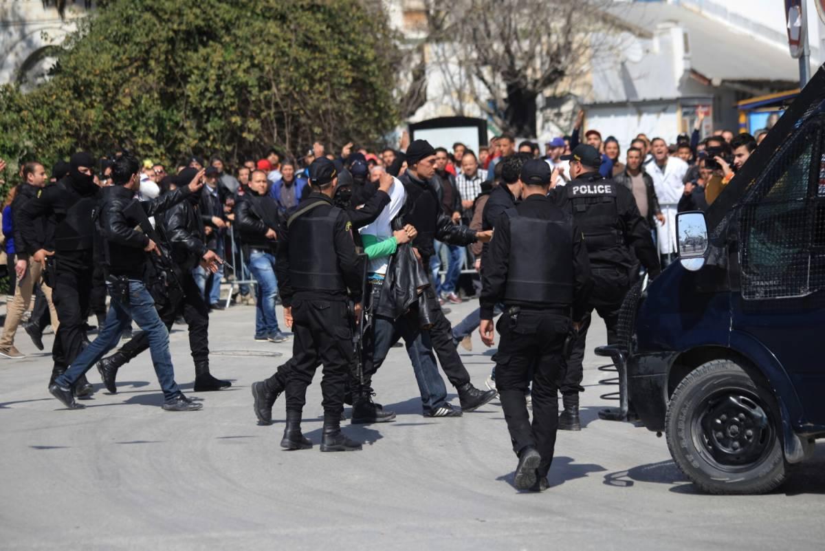Terrore al museo di Tunisi: 22 morti, quattro sono italiani