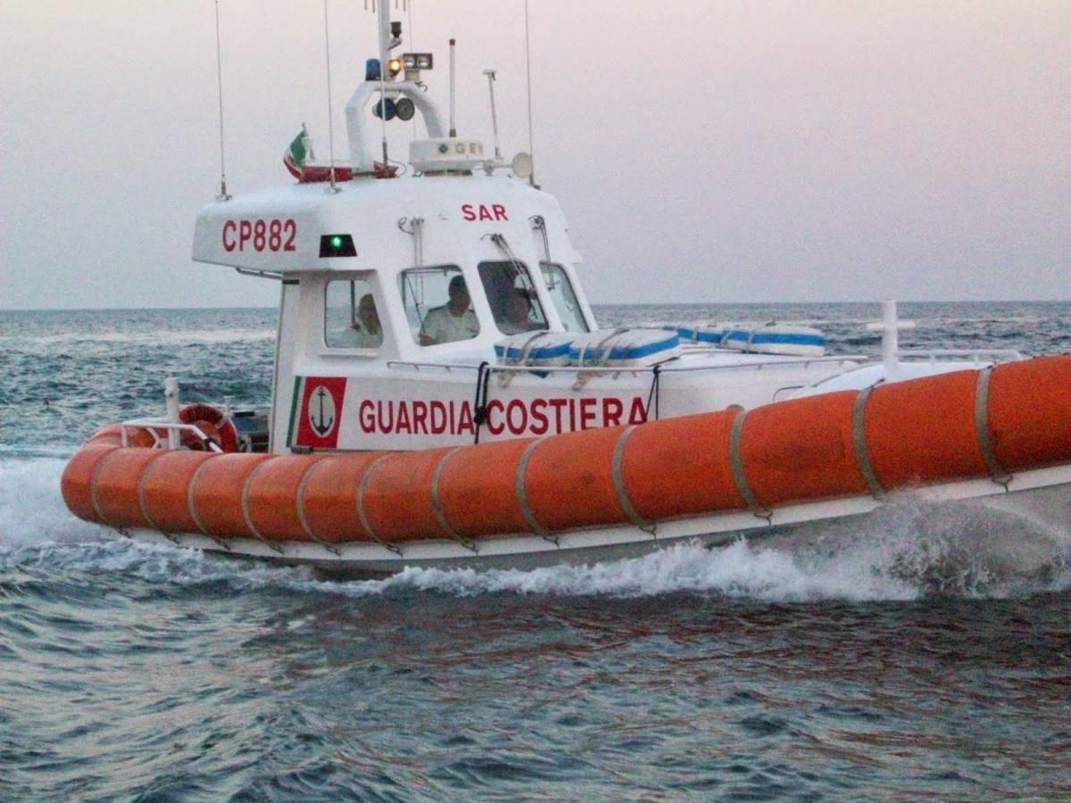 Sul lungomare di Napoli scoperto un cadavere in acqua