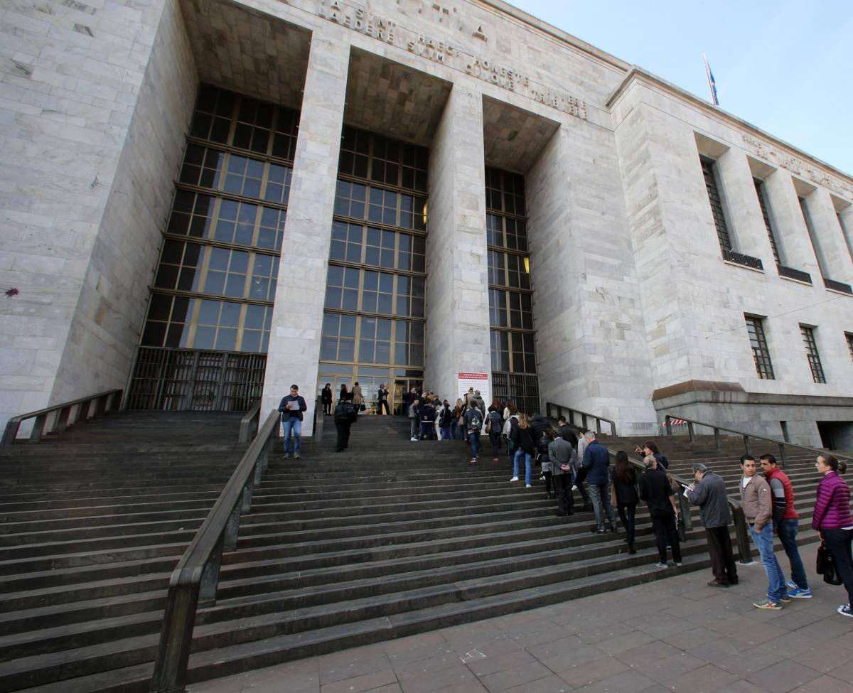 """A Milano il giudice sgrida i familiari: """"No alla giustizia a qualsiasi costo"""""""
