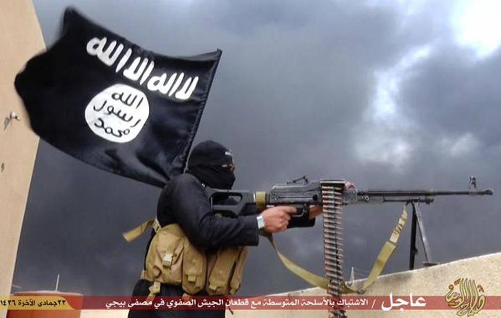 """La folle sentenza dell'Isis: """"Crocifisso per un giorno perché hai interrotto il ramadan"""""""