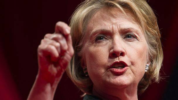 """Usa, Hillary Clinton si iscrive a Linkedin: """"Cerco nuovo lavoro"""""""