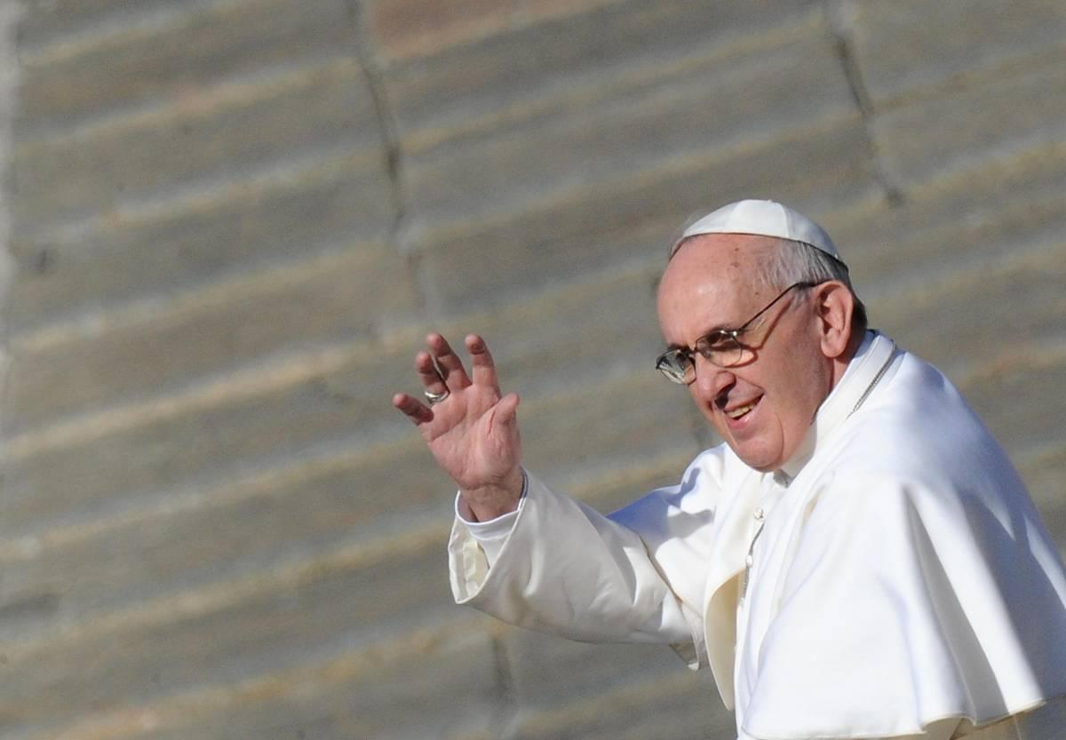"""L'appello del Papa ai romani: """"Accogliete tutti gli immigrati"""""""