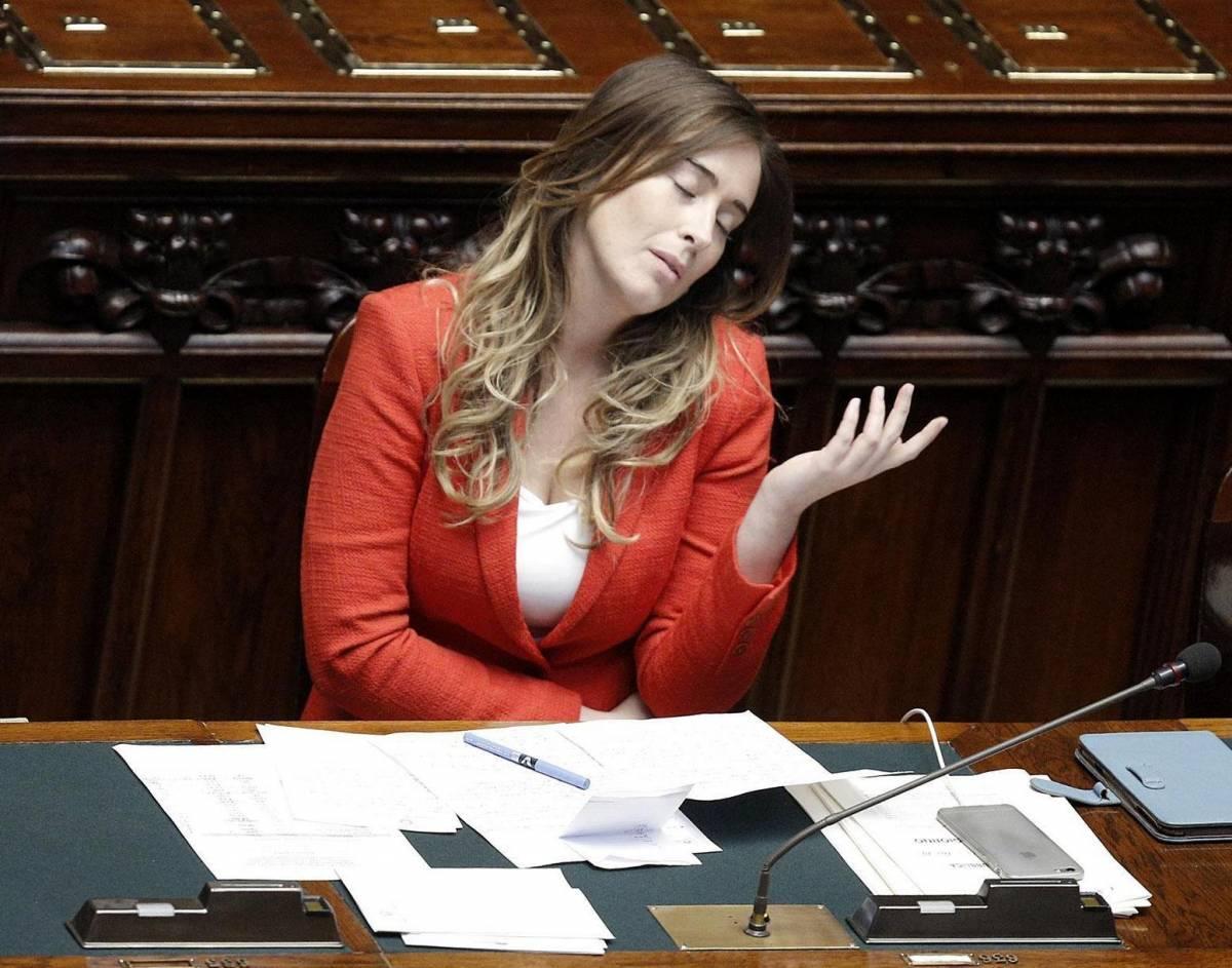 """Salvini contro la Boschi: """"Ministra sculettante"""""""