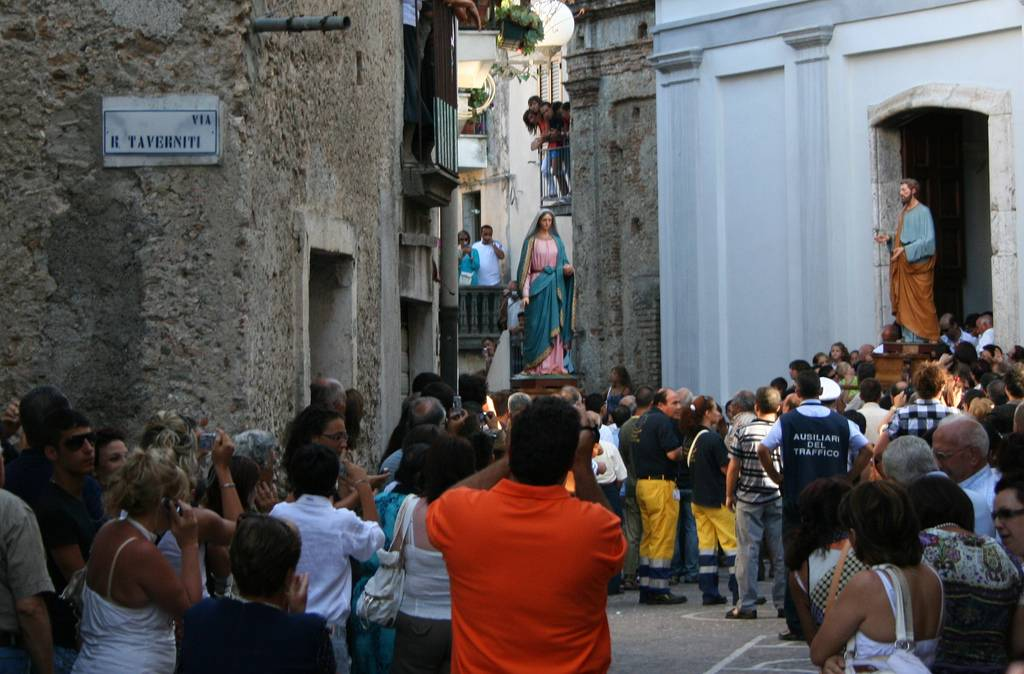 Una processione (foto d'archivio)