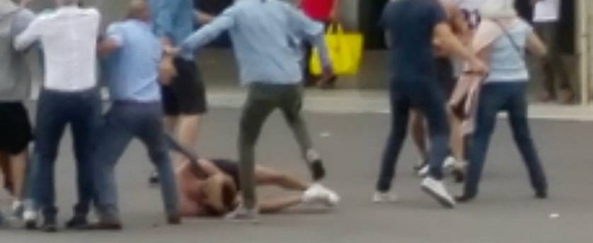 Maxi rissa tra immigrati nel centro di Brescia: i vigili non intervengono