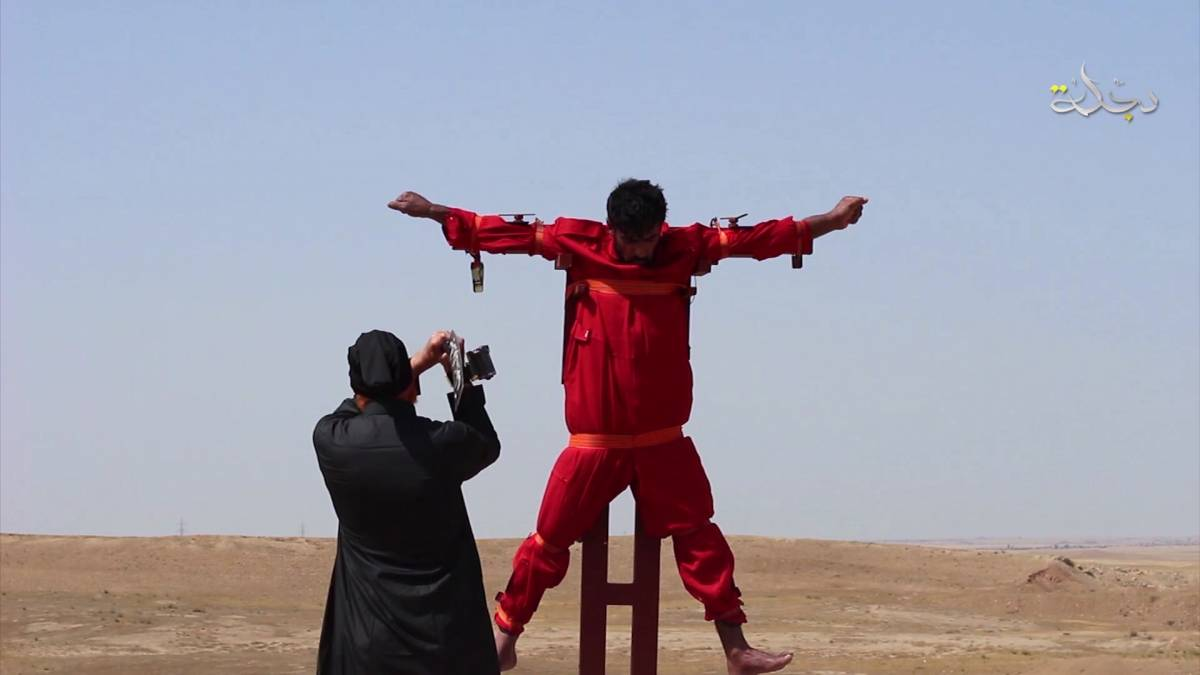 Crocifisso e amputato dall'Isis