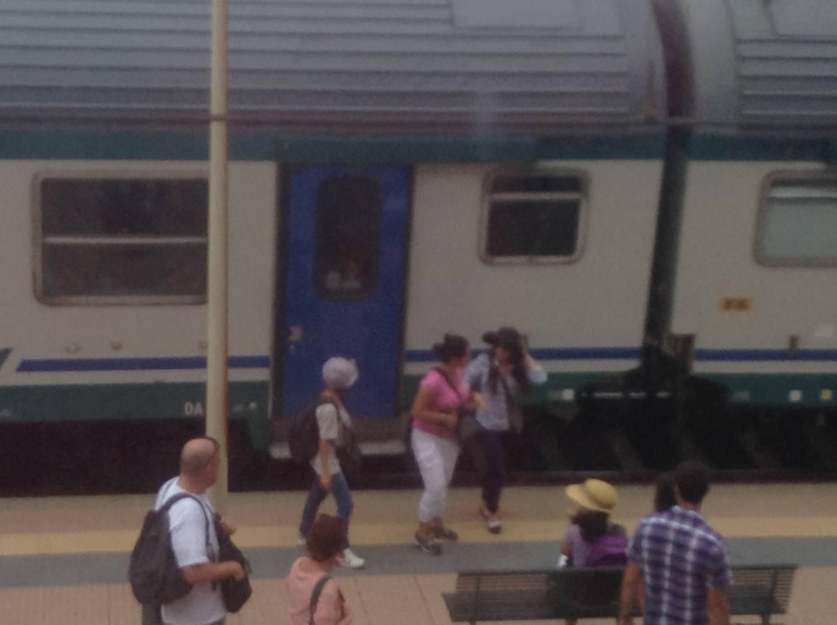 Quel treno delle vacanze preso in ostaggio dalle rom