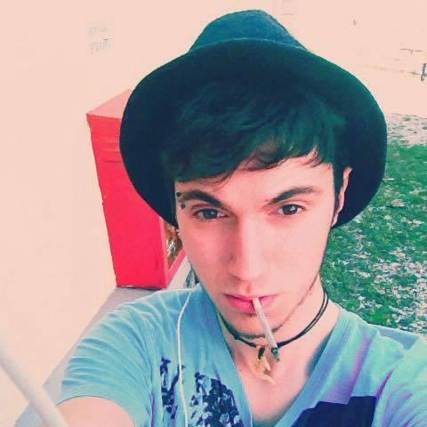 Pesaro, sgozzato nel bosco un 17enne con le mani legate: fermati due ragazzi albanesi