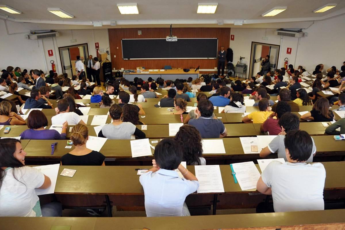 L'università trasformata in sede Pd