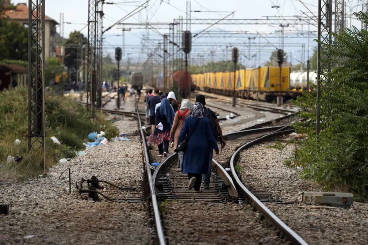 """Profughi, Bulgaria: """"Pronti a schierare l'esercito"""""""