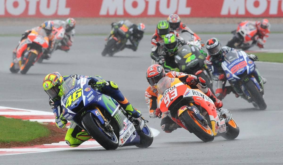 MotoGp, rivoluzione Yamaha: così si deciderà il futuro di Rossi e Lorenzo