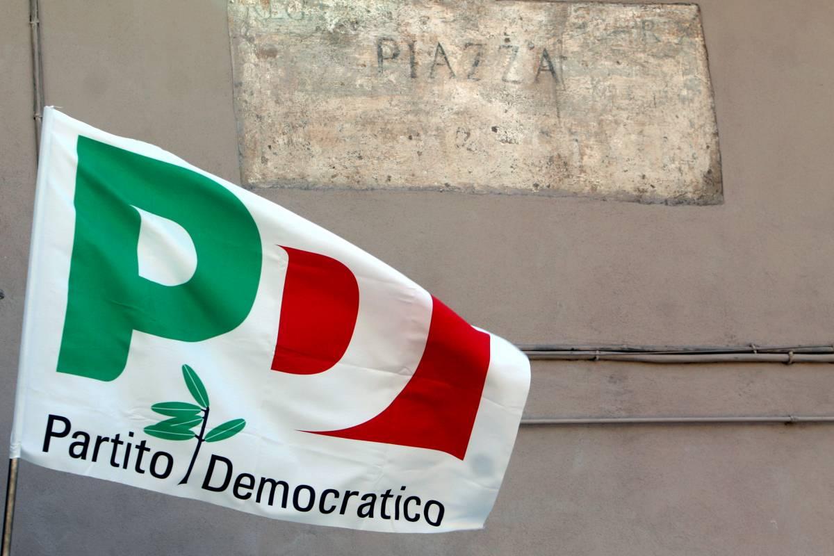 Il sindaco Pd di Reggio Emilia blocca la manifestazione di destra