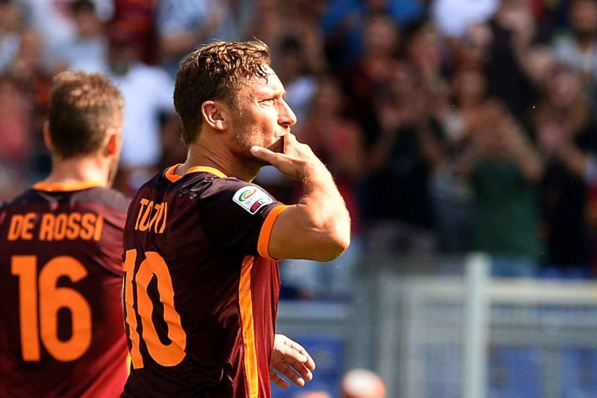 """Paura per Totti e De Rossi, minacciati: """"Ti veniamo a prendere sotto casa..."""""""