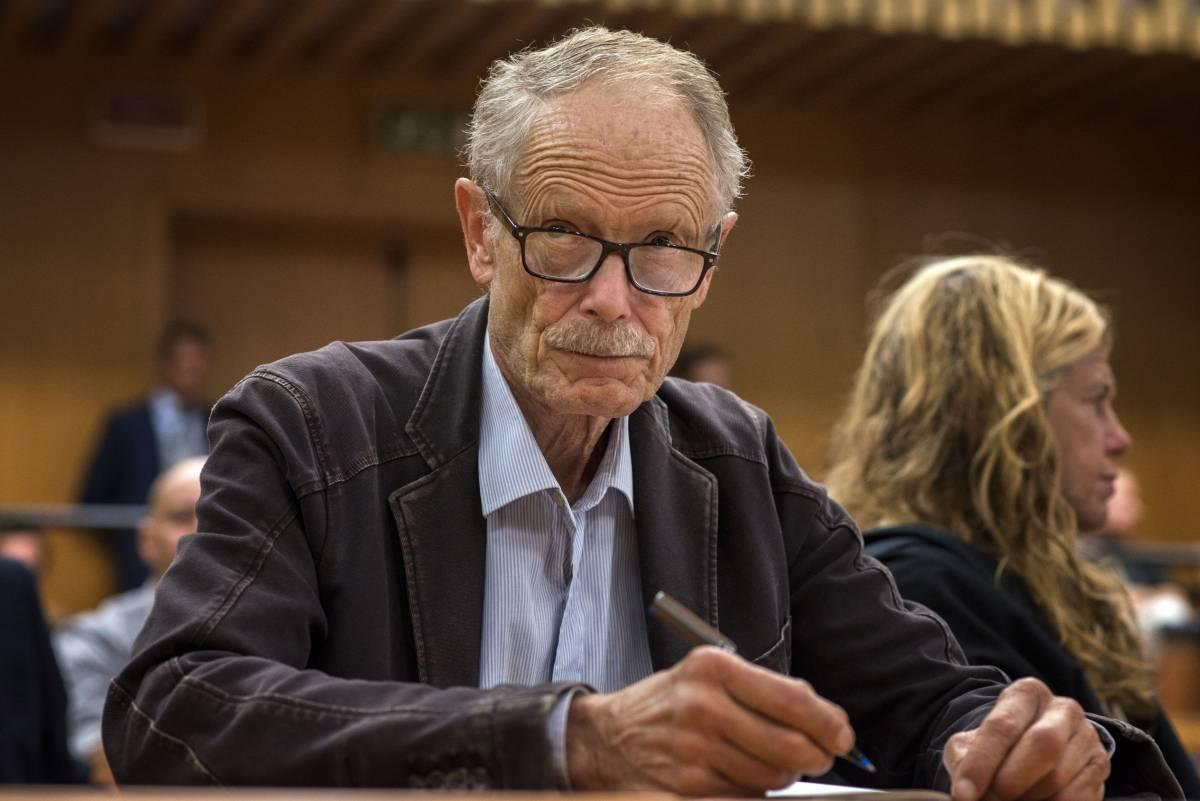 Erri De Luca in tribunale a Torino per il processo sul sabotaggio della Tav