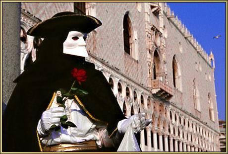 Venezia, allarme terrorismo dietro le maschere di carnevale