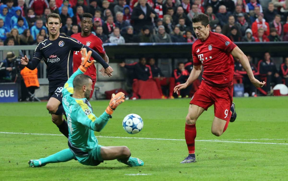 Robert Lewandowski: per l'attaccante del Bayern Monaco tripletta alla Dinamo Zagabria in Champions League