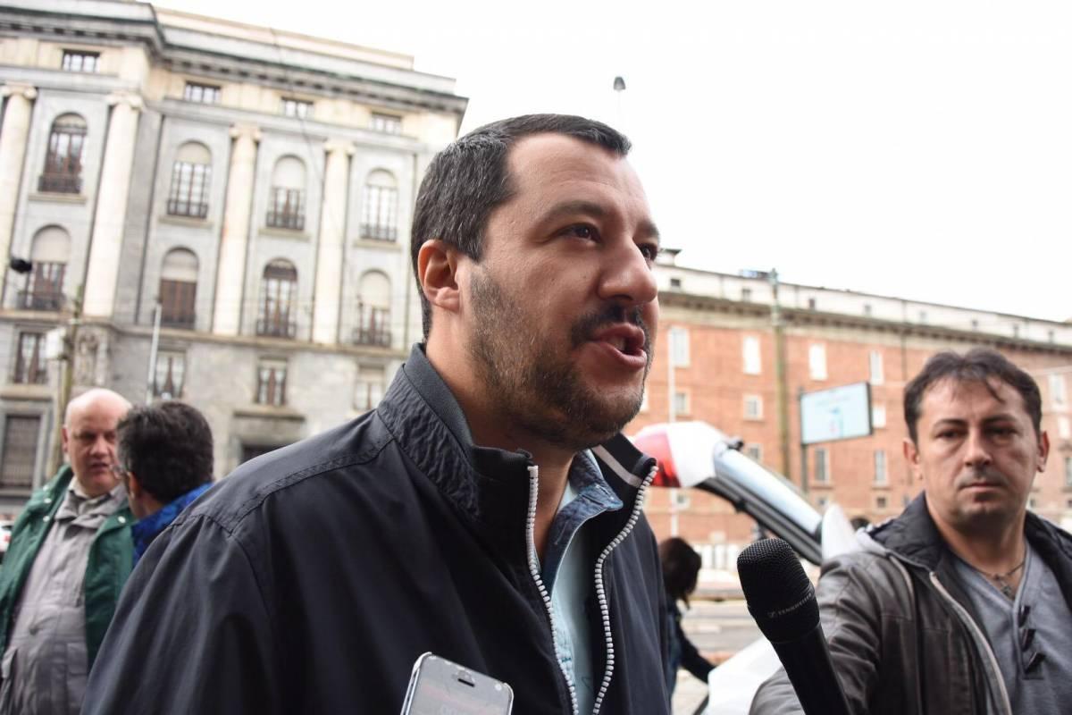 Frasi su Facebook dopo gli sbarchi, archiviazione per Salvini