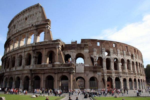 Roma in ansia tra militari  caos cantieri e strade deserte