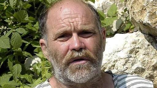 Sparò ai ladri, condannato a risarcire i rom: colto da infarto