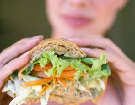 """L'effetto Greta arriva sulle tavole: boom di prodotti vegani e """"cruelty free"""""""