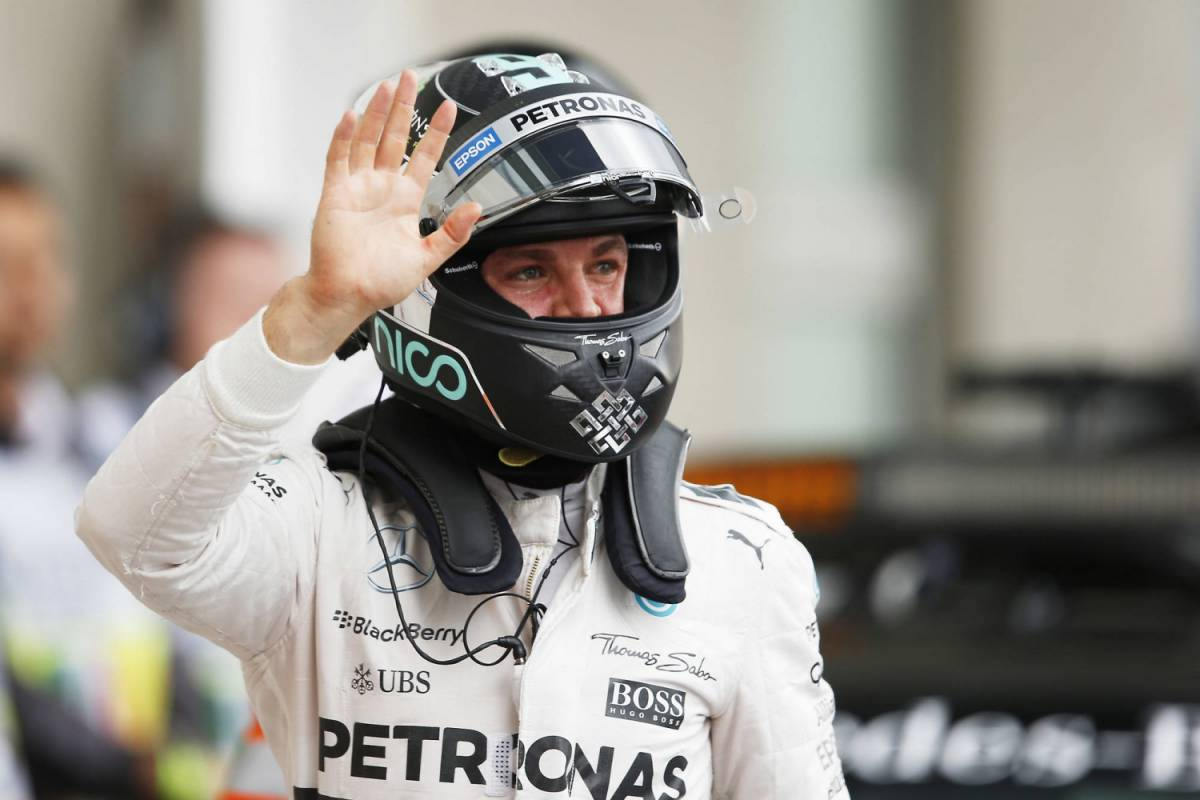 Ad Abu Dhabi è pole Rosberg, mentre la Ferrari ferma Vettel