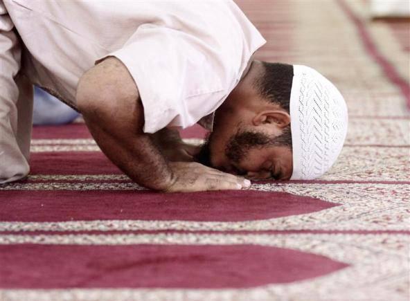 Roma, una finta moschea fa corsi online di Sharia