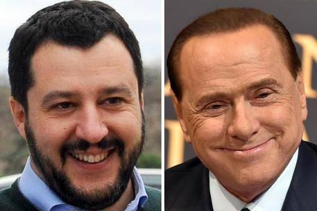 """Renzi: """"Berlusconi e Salvini sono bla-bla block"""""""