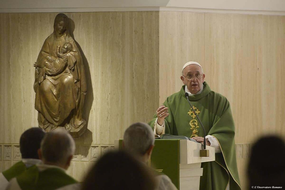 """""""Anche nella Chiesa ci sono uomini attaccati ai soldi"""""""