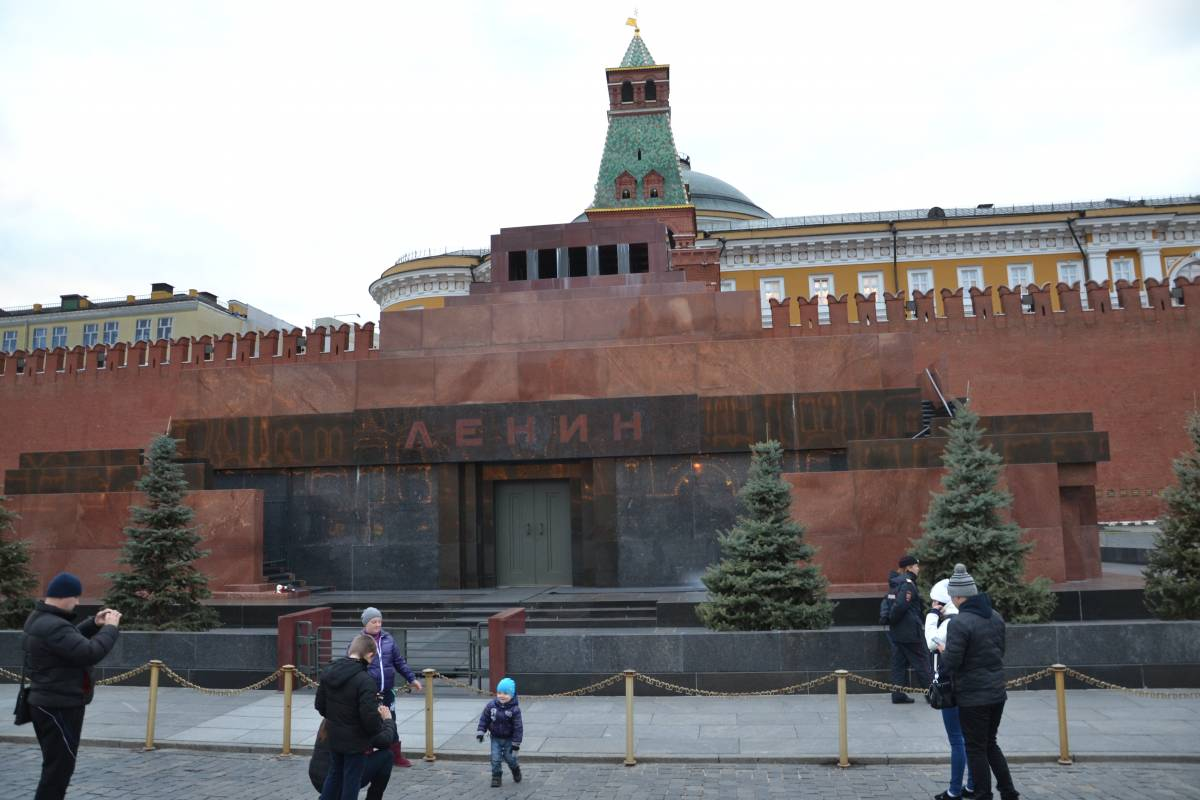 Mosca, tra falci e martello è Putin a riunire la Russia