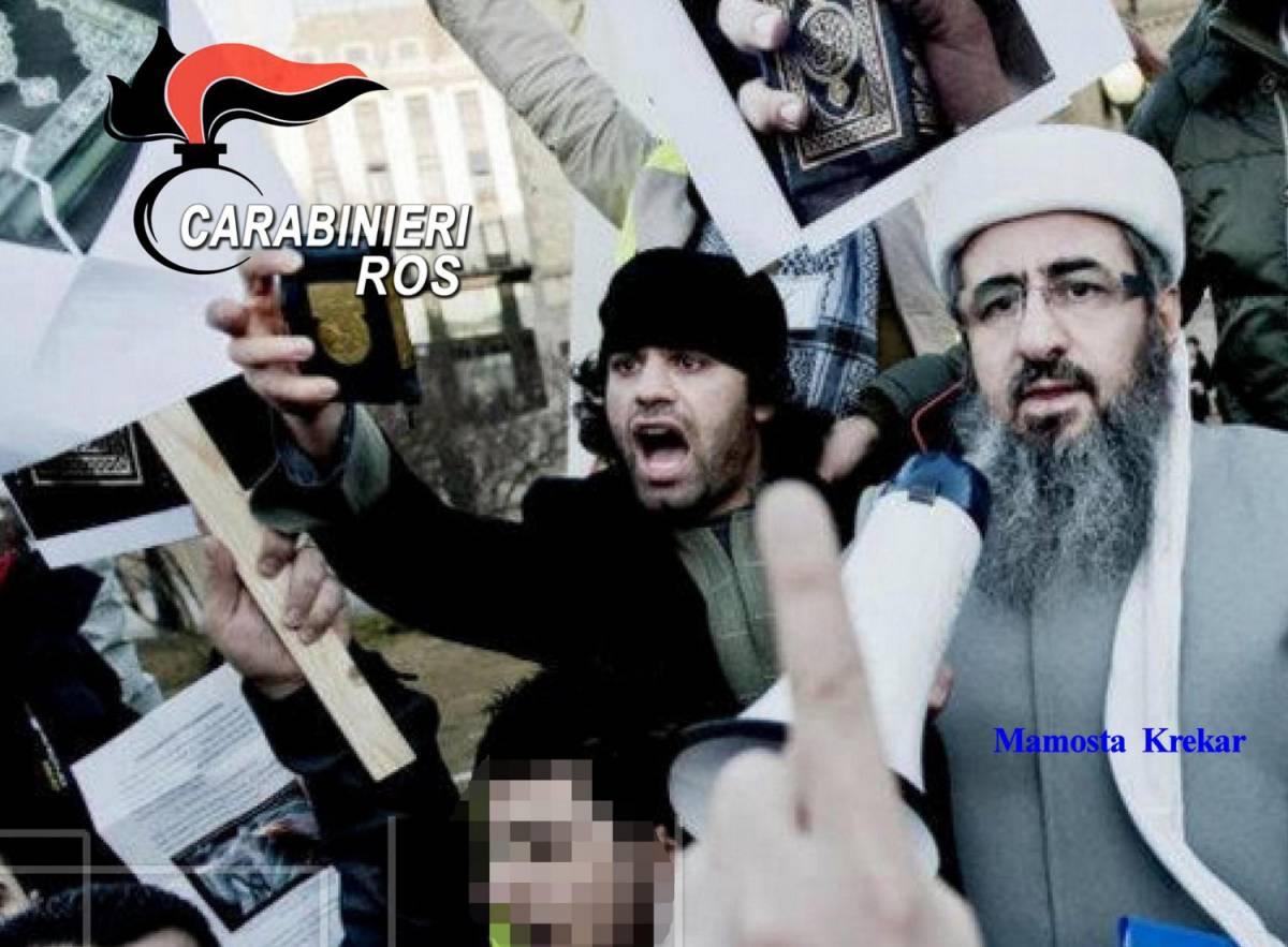 Il Mullah Krekar durante una protesta