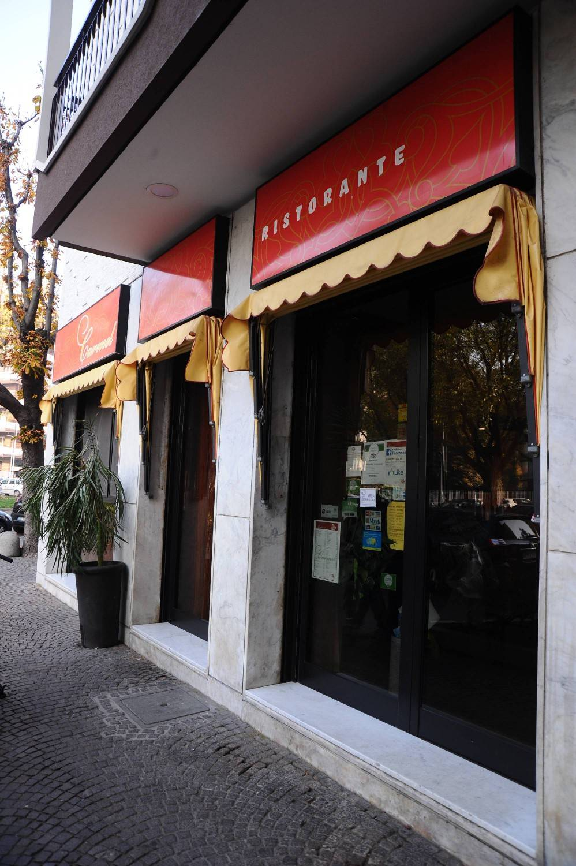 Il ristorante kosher Carmen, di fronte al quale è avvenuta l'aggressione