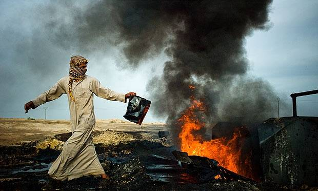 Ecco come funziona il business petrolifero gestito dall'Isis in Siria